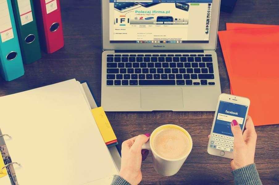Social Media Marketer desk